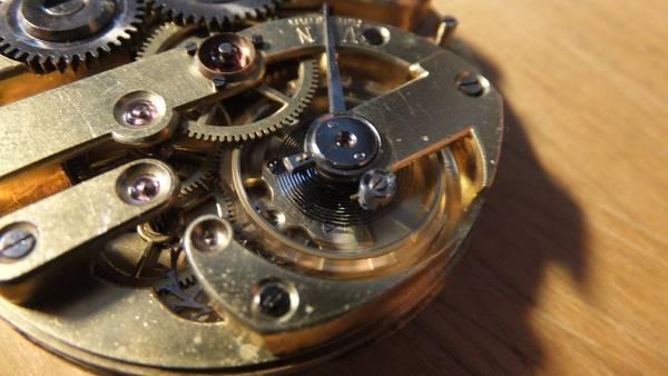 Uhrwerke mit Tagesumlauf